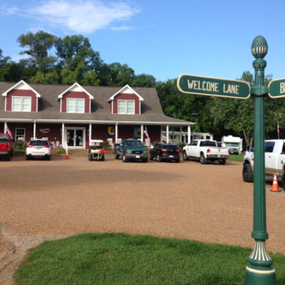 Commercial RV parks aren't our favorite places to stay, but Grand Ole RV Park was a great find.